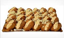 dei bignè con crema pasticcera