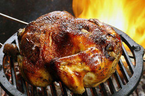 Pollo arrostito al forno a legna