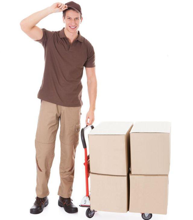 Man delivering building supplies in Grantham
