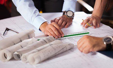 colleghi discutono su un progetto-progettazione-provincia di Sondrio