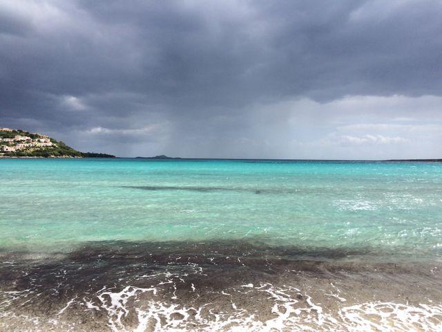 un mare azzurro