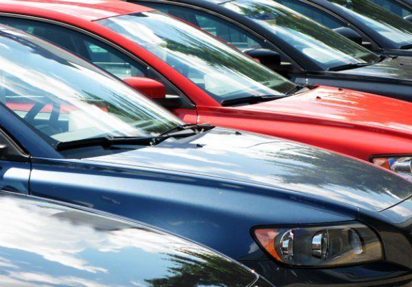 delle macchine parcheggiate