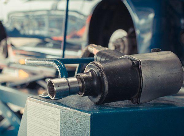 restauro carrozzeria auto vintage in officina