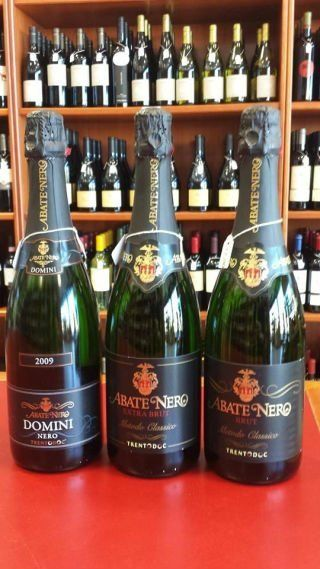 tre bottiglie di spumante Abate Nero