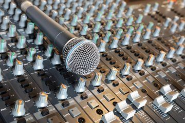mic on mixer