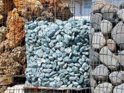 sassi e massi conservati per l`edilizia