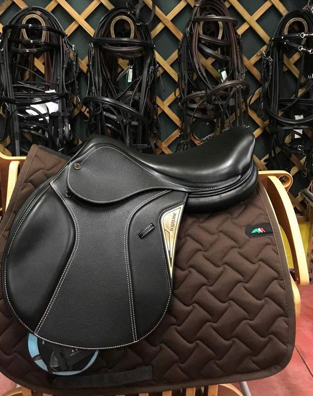 sale retailer 60c77 40c02 Attrezzature e abbigliamento equitazione - Sesto Fiorentino ...