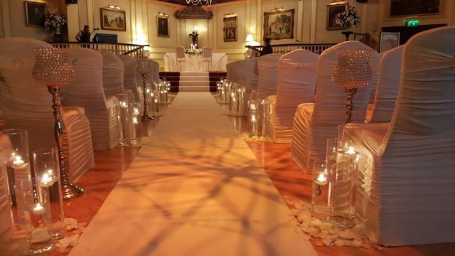 Aisle Decoration Cabra Castle