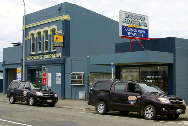 Contact Timaru's favourite for panel beating services!