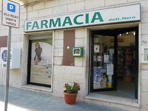 entrata farmacia Nero