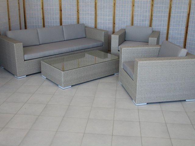 Rattan sintetico salotti tavoli poltrone per esterno for Salotti per esterno