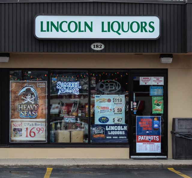 Welcome to the Lincoln Shopping Center Home Page!