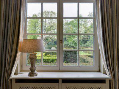 finestra a quadretti