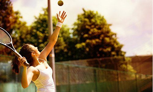 ragazza che gioca a Tennis TENNIS CALCETTO QUINTOSOLE Milano