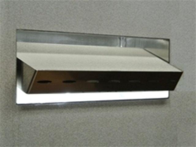 un modello per illuminare le vasche e piscine