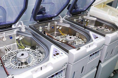 macchinari per la sterilizzazione degli strumenti dentistici