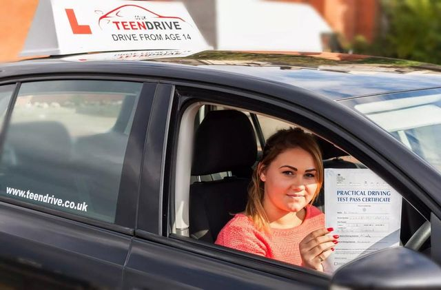 Best Sunderland Driving School - Manual and Automatic
