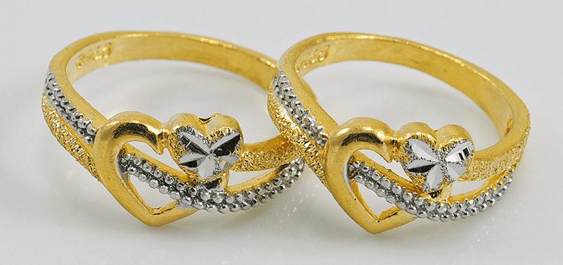 coppia di anelli dorati ad Arezzo