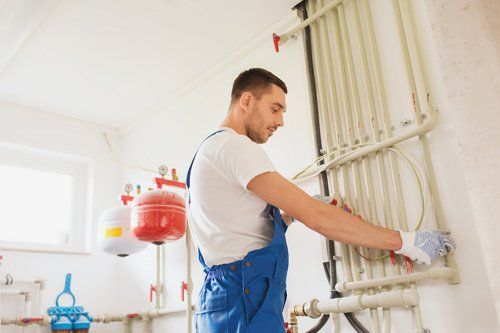 Pipes installation service