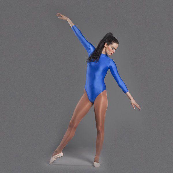 Dancer wearing comfortable dancing tights