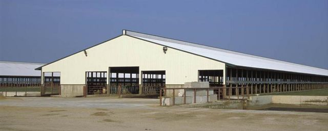 cartwright lumber company The cartwright lumber co faces a need for increased bank financing due to its  rapid sales growth and low profitability a rewritten version of an earlier case.