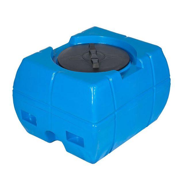 Una cisterna in polietilene blu