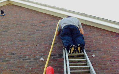 expert treating wall cavity