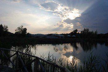 Vista del lago al tramonto L' OASI DEL VALLONE LAGHETTO SPORTIVO di Arpino (FR)