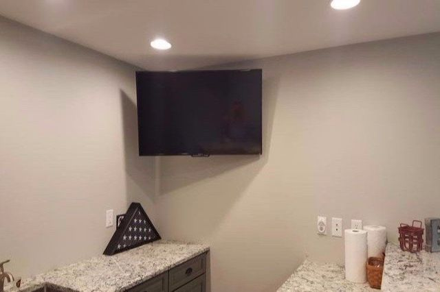TV corner mounting, tv full motion mounting, tv wall mounting near me,