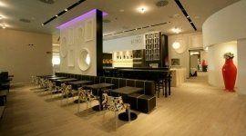 sedie e tavoli per bar