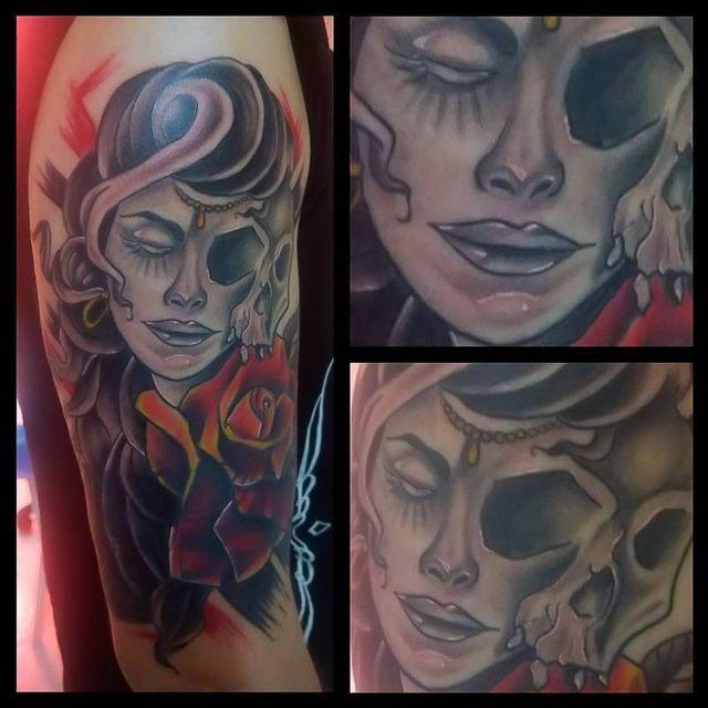 tatuaggio al braccio destro