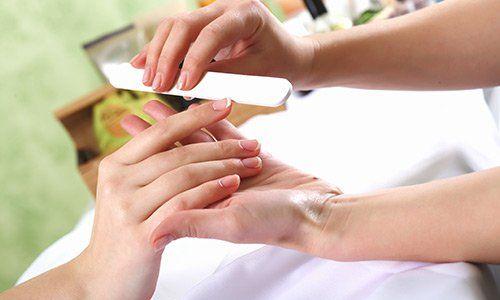 Manicure presso Madame Estetica e Benessere a Roma