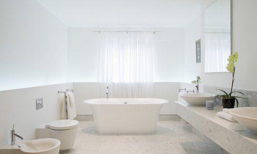 Bagno, vasca, wc, bidet e lavabi