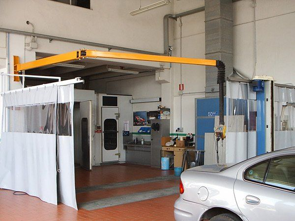 Verniciatura della macchina con vetri oscurati alla Carrozzeria Alpicar in Moretta