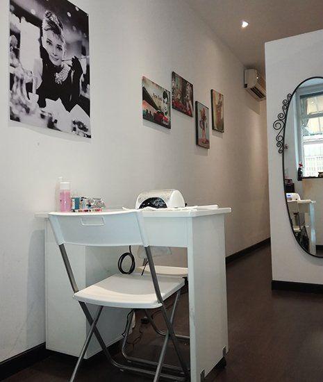 Zona per la manicure del centro estetico Glam a Roma