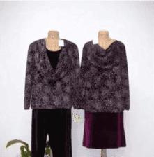 due manichini con gli abiti in velluto