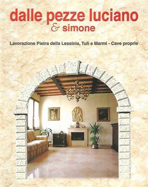 Cartello di propaganda dell'impresa dove si vede un elegante salon ,con caminetto,tabelle,piante,più mobili di legno e un sofà
