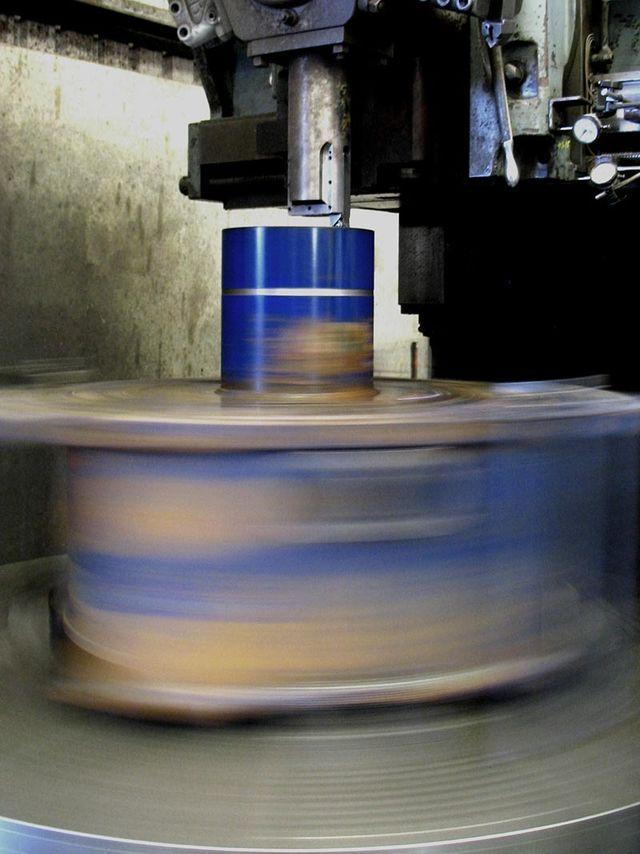 vertical borer spinning fast