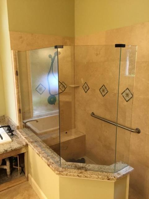 Glass Shower Enclosures | Jacksonville | Baker Glass Inc | 904-388-9126