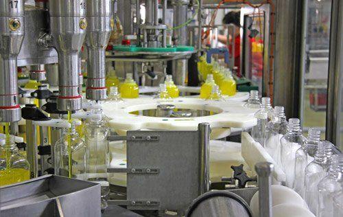 ciclo produttivo in un laboratorio