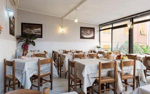 Sala del ristorante dell'albergo