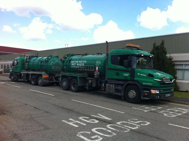 Wet waste trucks