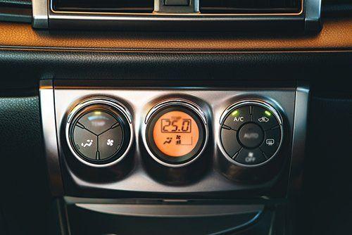 Pannello controllo climatizzazione auto