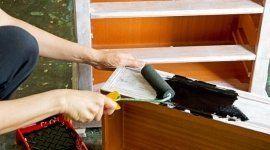 riparazione infissi di legno; sverniciatura infissi, restauro infissi, riparazione porte