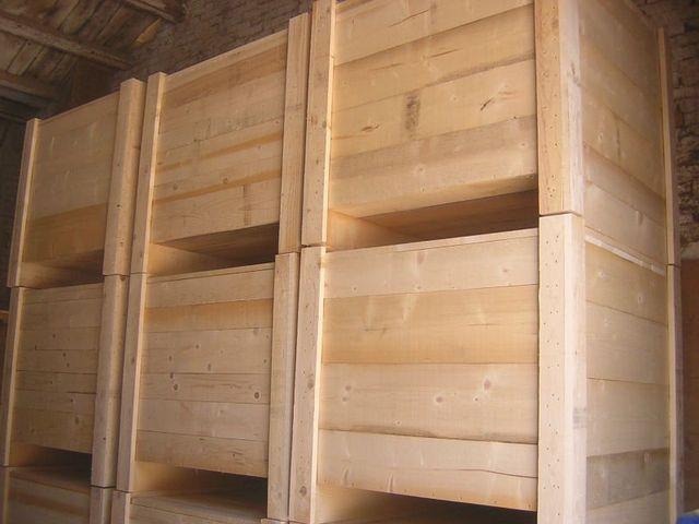 delle casse in legno