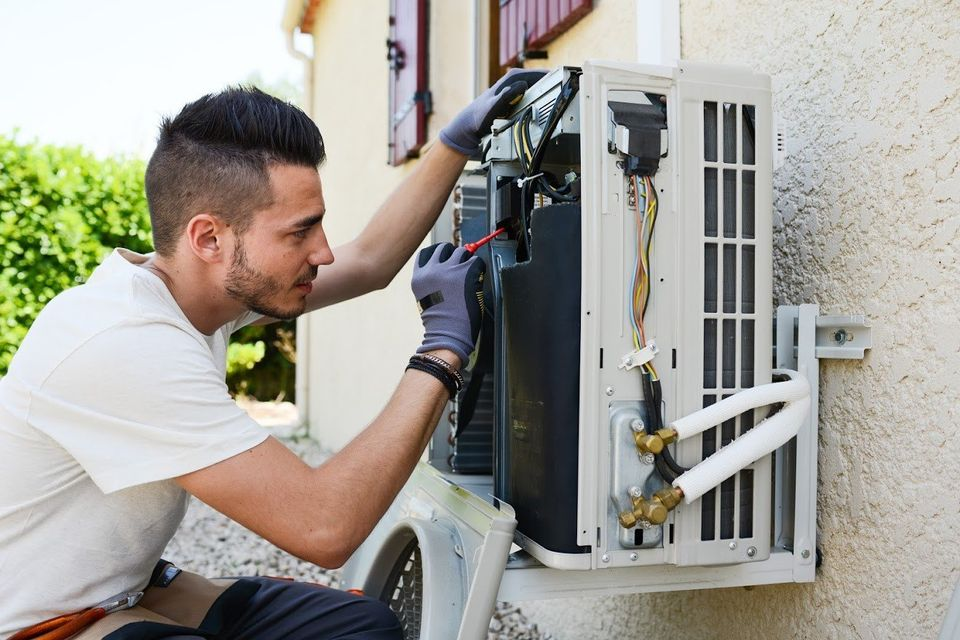 5 Reasons Why You Should Hire an HVAC Professional