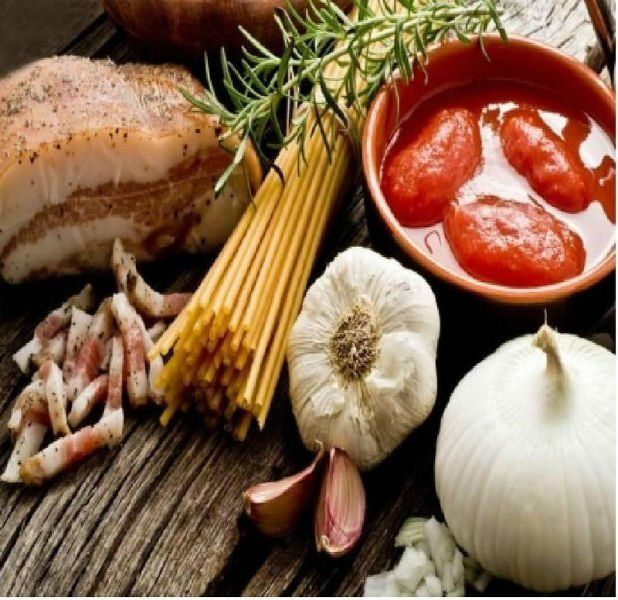 Spaghetti, pancetta, rosmarino, pomodoro fresco ,cipolla, aglio...