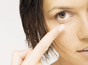 We offer expert advice on daily disposable contact lenses
