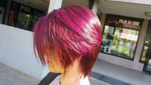 acconciature da donna capelli viola