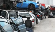 rottamazioni, eliminazione mezzi da PRA, servizi di demolizione